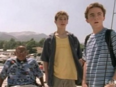Malcolm in the Middle 03x01 : Houseboat (1)- Seriesaddict